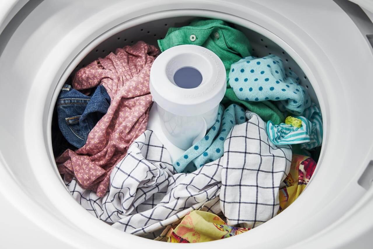 ropa en pleno ciclo de lavado