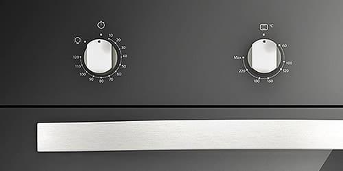 Horno Whirlpool 7501545613500 Perillas de control de aspecto acero.