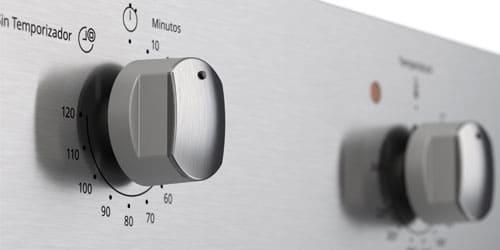 Horno Whirlpool 7501545626333 con acabado Anti-Fingerprint que repele mugre y grasa y hace más fácil la limpieza.