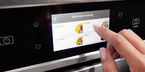 Horno Whirlpool 883049444840 Diseño elegante de acero inoxidable y pantalla TouchScreen LCD para controlar el proceso más fácil.
