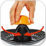 Su motor se acciona automáticamente al presionar la fruta con el cono