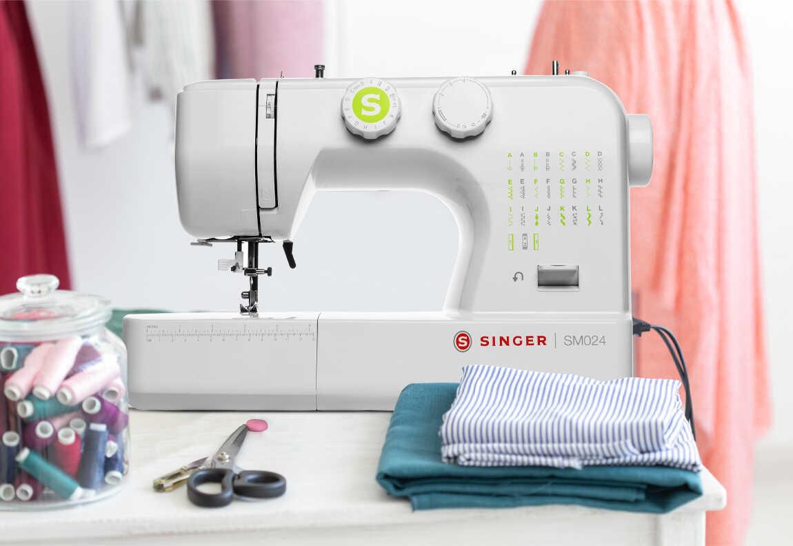 Máquina de coser SINGER® SM024-GN